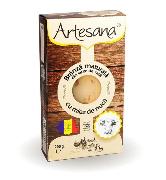 Brânză maturată din lapte de vacă cu miez de nuca 200g - Artesana