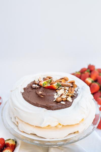 Tort de bezea ciocolata 1.5kg 1